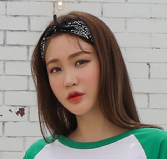 투애니투엑스-프로필